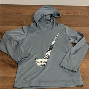 Boys Nike Dri fit size medium